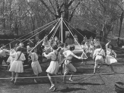 1956 May pole
