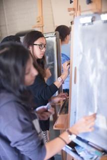 korean student drawing studio